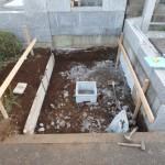 川崎市麻生区のお寺で、お墓の基礎工事に取り掛かりました