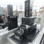 東京都稲城市 黒系御影石の石塔据付け工事が完了です!