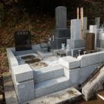 川崎市麻生区の寺院墓地 修繕工事が完了です。墓石等の傾きを直して、水アカも除去。見た目もスッキリ!
