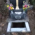 川崎市麻生区 お墓のリフォーム工事 納骨室入口の改修と拝石交換