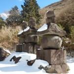 川崎登戸の町石屋、元箱根石仏群を通して想いを新たにする。