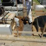 川崎市高津区の緑ヶ丘霊園にて、お墓の基礎工事の続きを行ってきました。