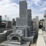 多摩区内の寺院墓地で石塔を据付けてきました。