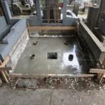 狛江市 墓地外柵のリフォーム、基礎工事は完了です。