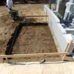 川崎市 寺院墓地で基礎工事を開始しました