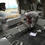 川崎市 寺院墓地の墓石・外柵工事ために下準備をしました。