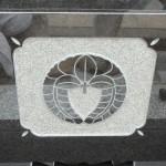 川崎市の寺院墓地 昨日は久しぶりに黒御影石の石塔を建立です。
