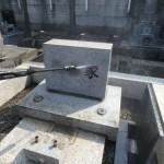雑草対策・お墓の洗浄。川崎市内の墓地でお盆前最後の仕事です。