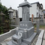 川崎市麻生区 石塔の据付工事も終了で、あとは仕上げを残すのみ。