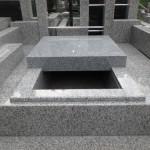 川崎市麻生区の寺院墓地 昨日作った縁石の納まりは良さそうです♪