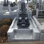川崎市麻生区の寺院墓地 金具補強と埋め戻し、出来たら見えない外柵工事の裏側。そして石塔据付けで工事終了。良いお墓が完成しました。