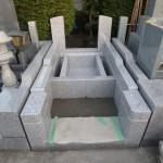 川崎市多摩区の新規墓所 基礎工事~外柵据付まで。同じ敷地サイズでも、少しのことでお墓の印象が変わります。