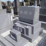 青い石で品格あるお墓。いかがでしょう?