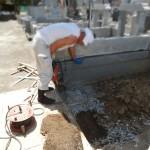 川崎市多摩区のお寺で、新規墓所の基礎工事にかかりました。…ところが!