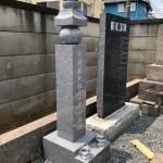 川崎市麻生区の個人墓地で、一石五輪塔を建立してきました。