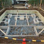 麻生区のお寺で合葬墓の基礎工事。今回も補強に杭の打設を行います