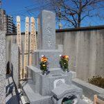 東京稲城市の寺院墓地で、白御影石の石塔を建立しました