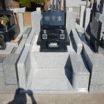 川崎市多摩区の寺院墓地 ベンチの付いたお墓が完成しました